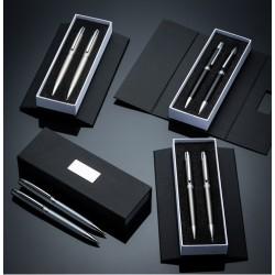 Conjunto caneta e lapiseira em estojo de cartonagem com placa central para personalização