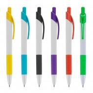 Caneta plástica branca com detalhes coloridos. Clip plástico possui detalhe vazado