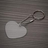 Chaveiro plástico formato coração transparente